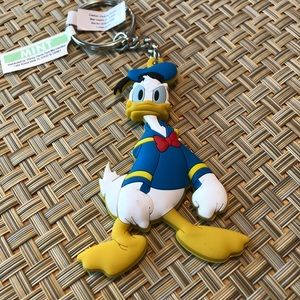 NWT Donald Duck Keyring from Walt Disney Parks.